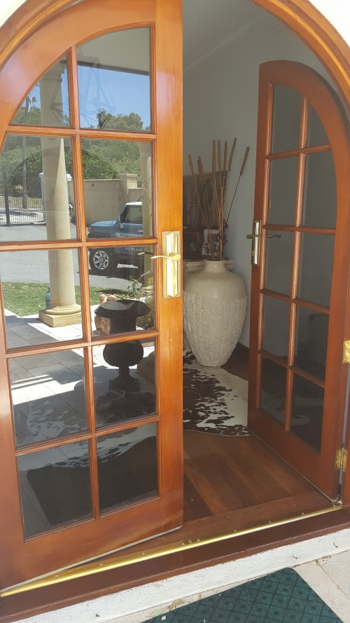 exterior window varnishing